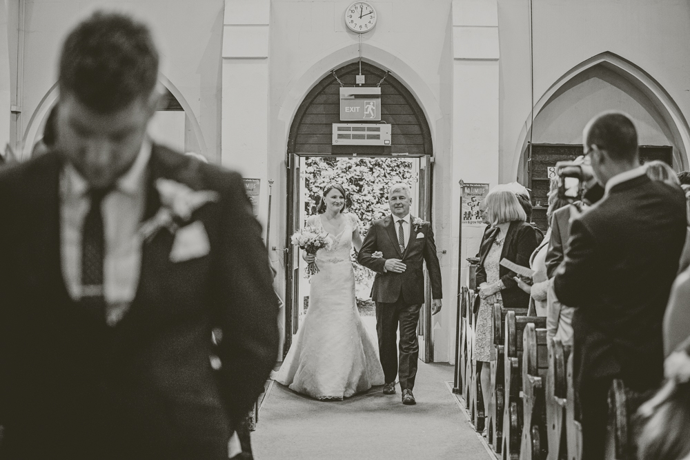 Kingscote_Barn_Tetbury_Wedding_Photographer-13