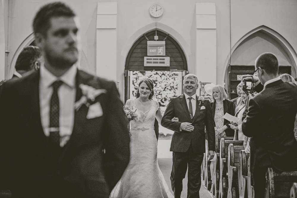 Kingscote_Barn_Tetbury_Wedding_Photographer-14