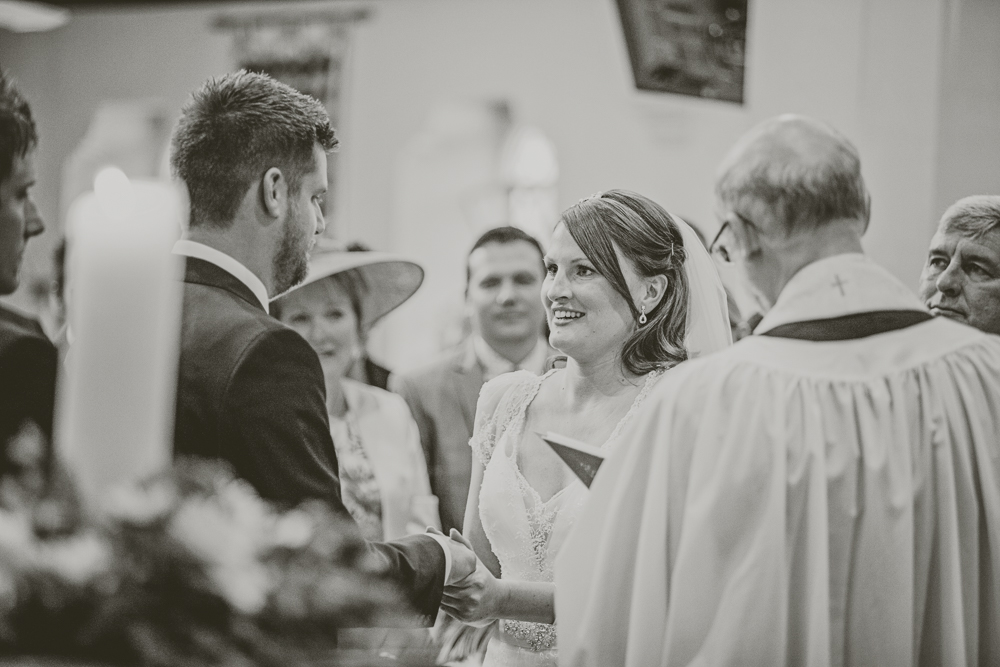 Kingscote_Barn_Tetbury_Wedding_Photographer-16