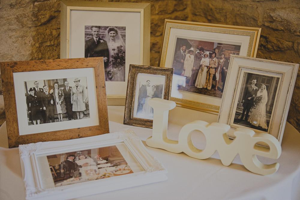 Kingscote_Barn_Tetbury_Wedding_Photographer-21