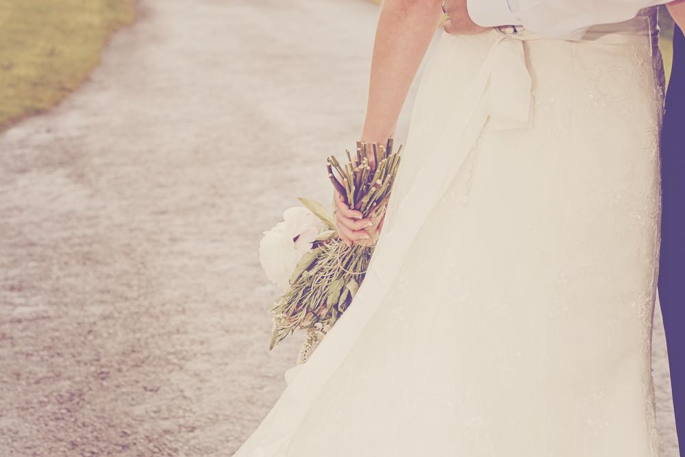 Kingscote_Barn_Tetbury_Wedding_Photographer-33