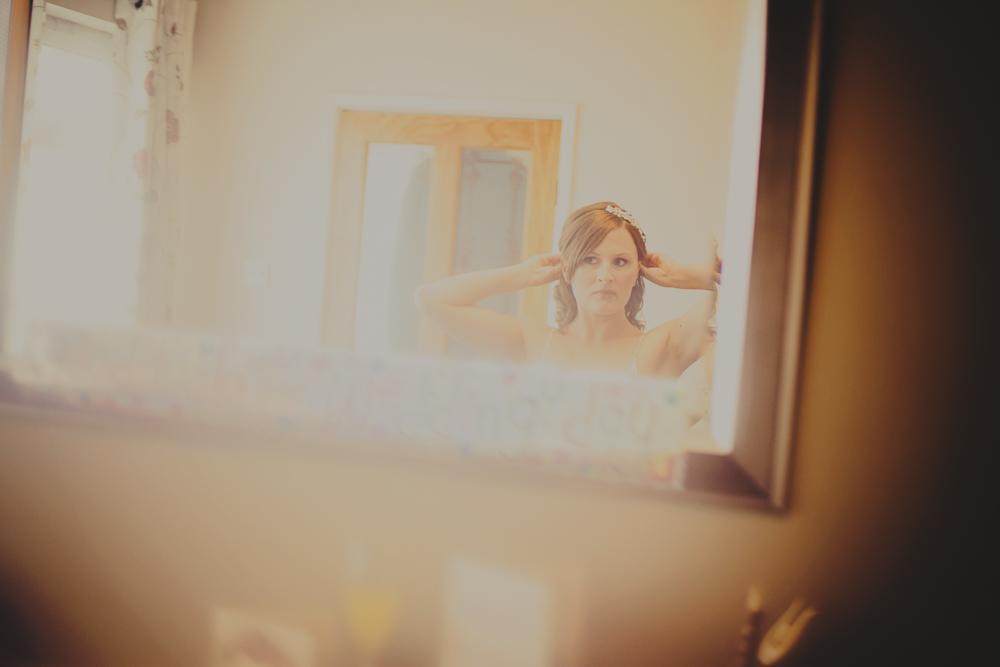 Kingscote_Barn_Tetbury_Wedding_Photographer-4