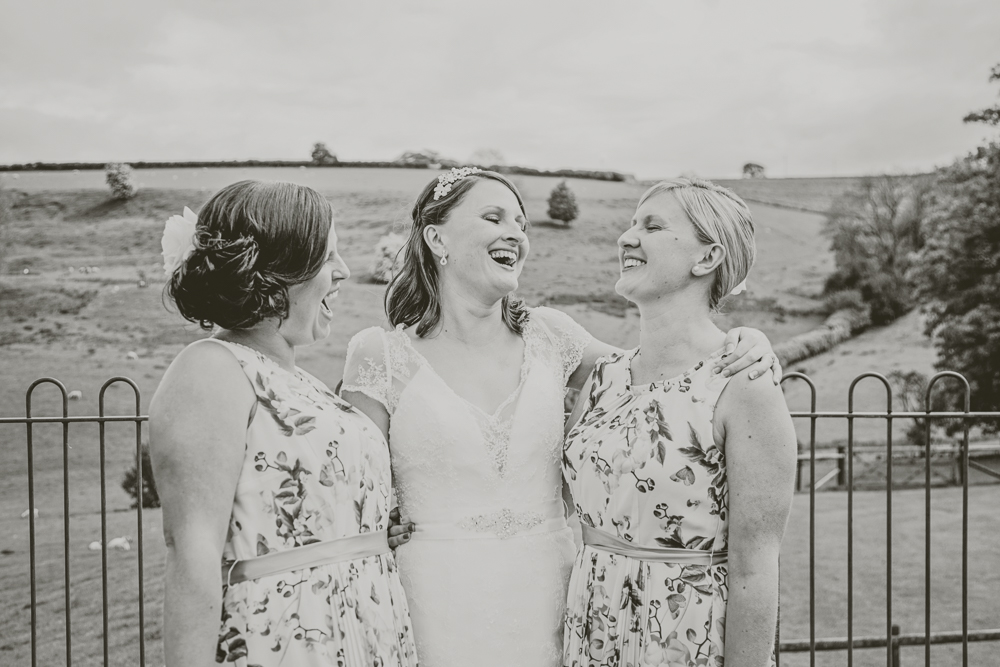 Kingscote_Barn_Tetbury_Wedding_Photographer-40