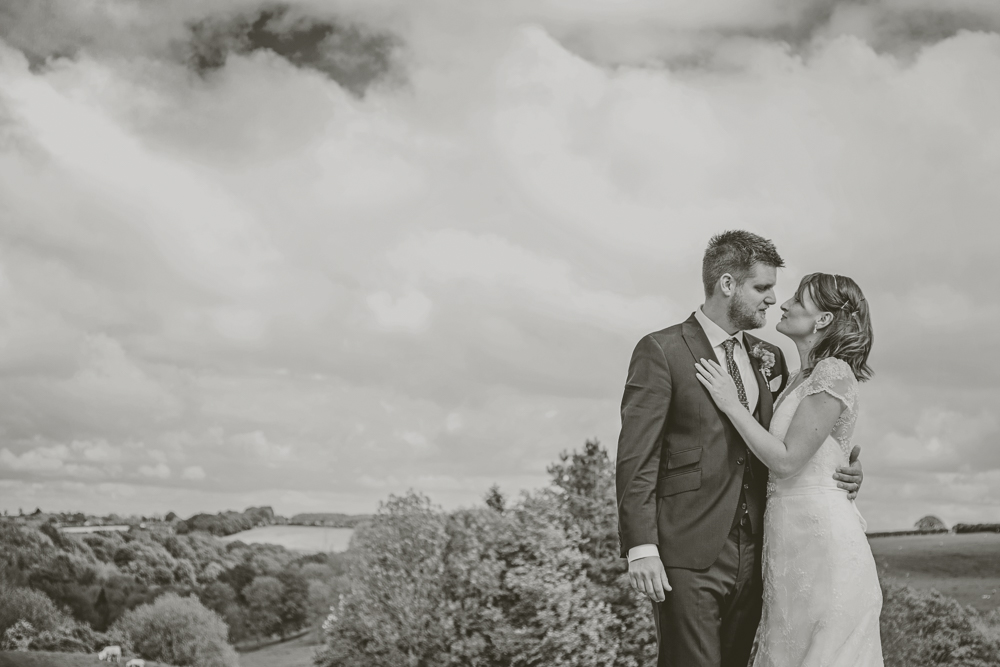 Kingscote_Barn_Tetbury_Wedding_Photographer-42