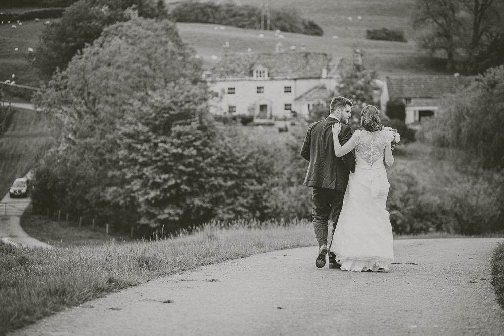 Kingscote_Barn_Tetbury_Wedding_Photographer-54