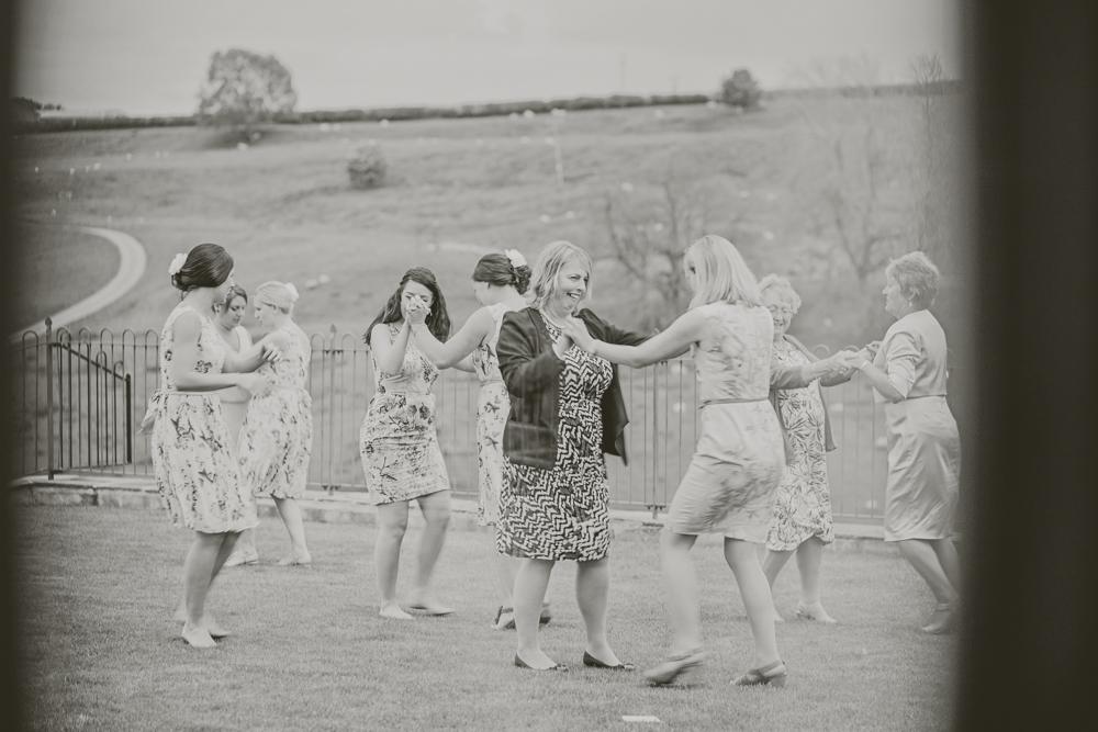 Kingscote_Barn_Tetbury_Wedding_Photographer-55