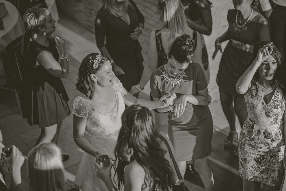 Kingscote_Barn_Tetbury_Wedding_Photographer-57