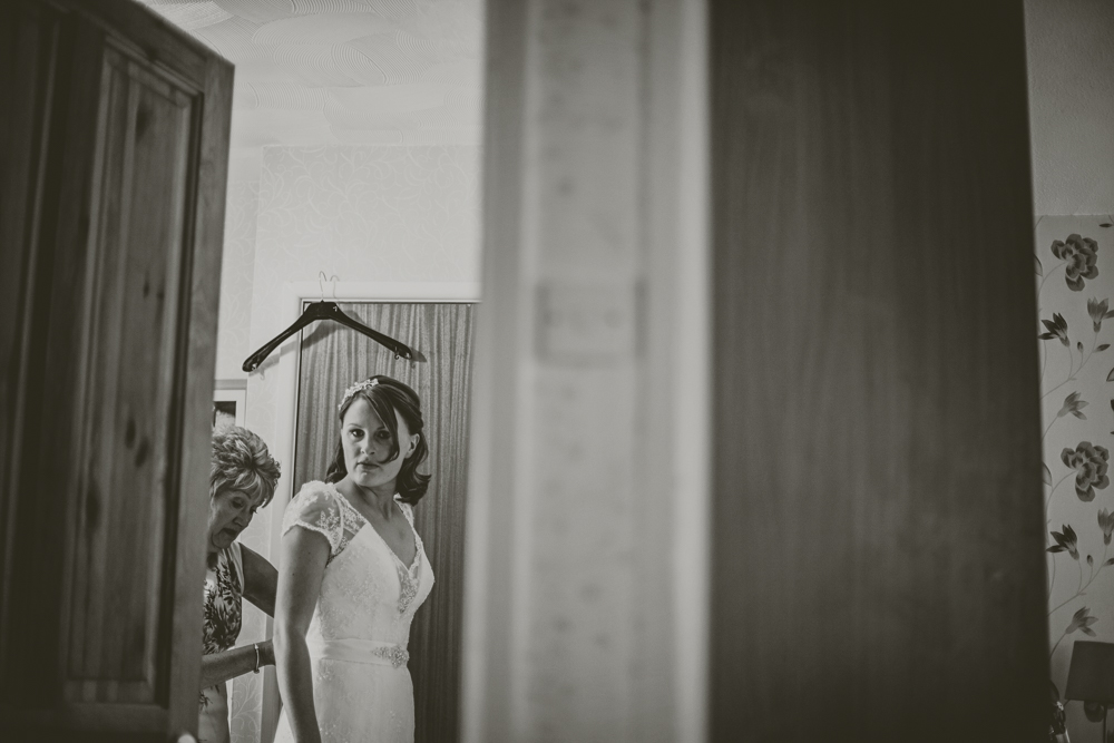 Kingscote_Barn_Tetbury_Wedding_Photographer-6