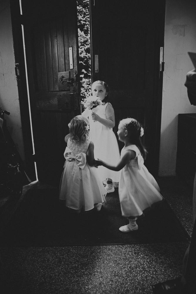 Kingscote_Barn_Tetbury_Wedding_Photographer-9